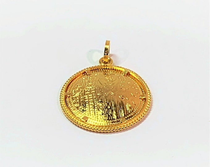 14K Gold Pendant, Mesoamerican Coin Design, 2.80 Grams. 28mm L. X 22mm W. X 1.5mm D. (Solid Gold). Free US Shipping