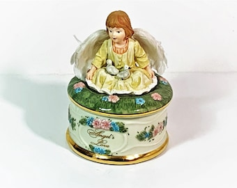 """Angel's Love by Dona Gelsinger, 1999 Heaven's Little Guardians Music Box Collection, No. A419. Plays """"Cherish"""", 5"""" T. 3.25"""" Base."""
