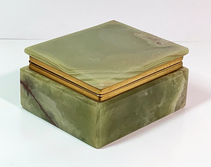 """Vintage Early Italian Green Alabaster Trinket-Jewelry Box, Gem Quality Hand Carved, Hinged Lid, 4.25 W. 3.5 L. 2"""" H. Free US Shipping. Nice"""