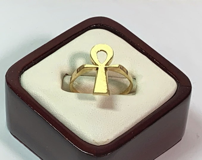 Vintage 14K Solid Gold Egyptian Ankh Ring, Symbol of Life, 3.20 Grams. Size 10 US, Circa 1970's. Free US Shipping.
