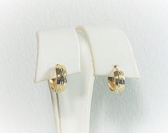 "14K Yellow Gold Small Hoops - Huggies, Ridged Diamond Cut, 5mm Wide, 13mm - .55"" Diameter, Latch Closure. Free US Shipping."