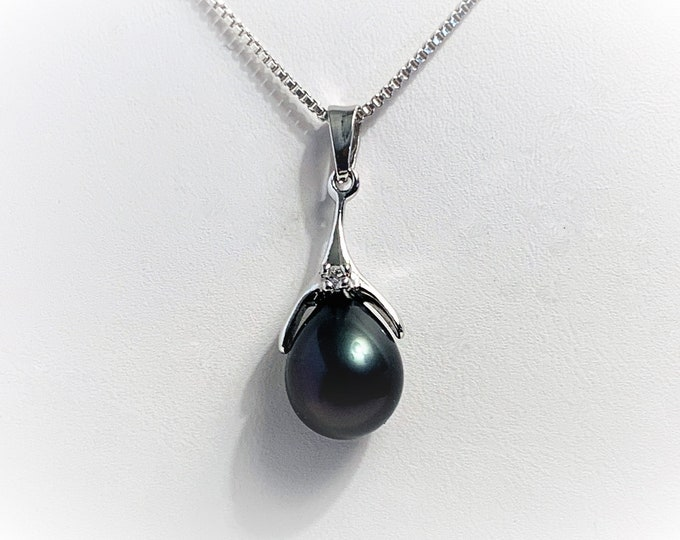 "Natural Black Pearl Tear Drop 14 X 10 mm, .03 ct Round Diamond, Sterling Silver Setting, 18"" Italian Box Chain, Nice. Free US Shipping."