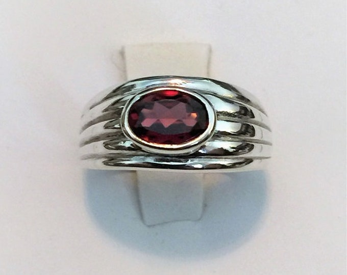 Sterling Silver Gemstone Ring, Rhodalite Garnet Oval Shape 7X5 mm, 1.05 Carats, Size 5