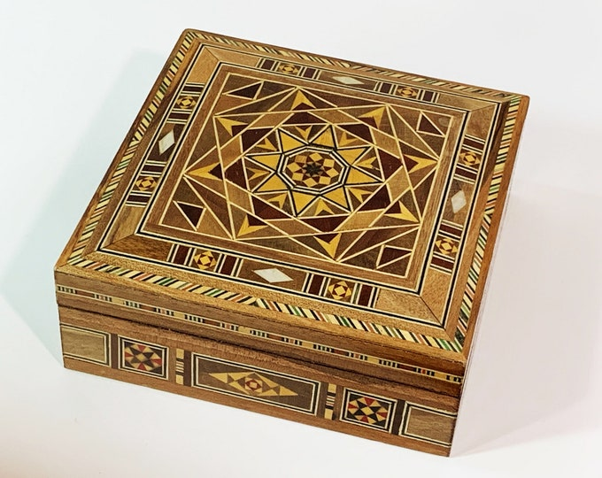 "Vintage Egyptian Fine Wood Hand Made Small Jewelry Box Inlaid Design With Mother of Pearl and Veneers, 4.25"" Square - 2"" H, Free US Shipping"