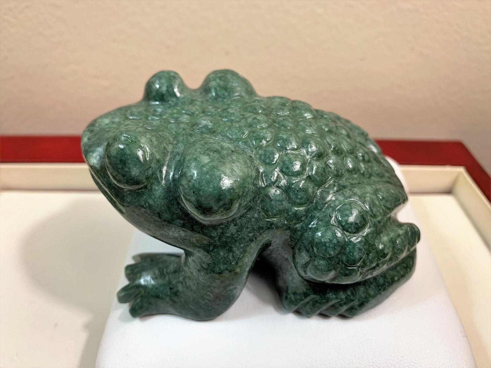 Guatemalan Green Jadeit - Jade Carved Frog, Mayan Symbol of