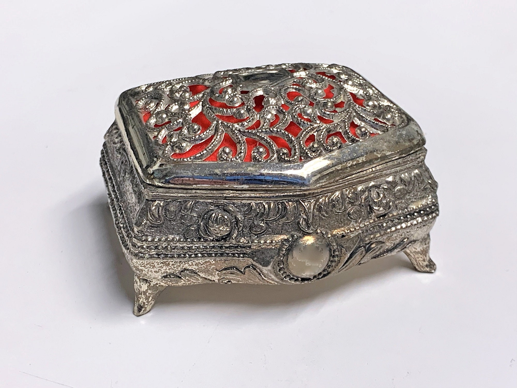 Filigree Top Free US Shipping. Red Velvet Raised Patterns 2 L Antique Silver Clad Small Treasure Box 4 Feet 2.75 W Japan 1950/'s
