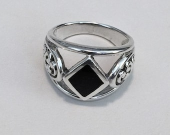 Sterling Silver Black Onyx Ring, Open Scroll Sides,  Solid Heavy Ring, Size 7, Vintage
