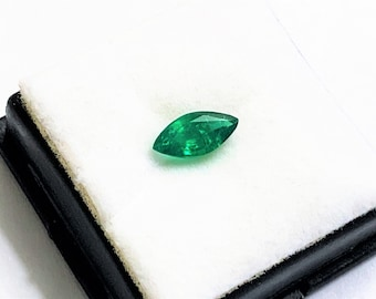 Natural Premium Emerald Gemstone, Stunning Gem, VS - 75% Transparency - Untreated, Marquis Cut 10 X 5 mm. .93 carat. Colombia