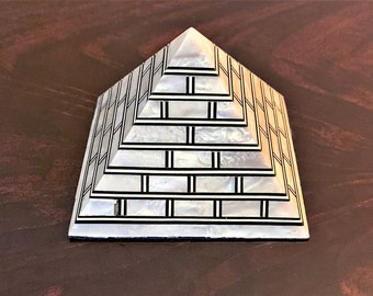 """Vintage Hand Made Egyptian Pyramid, Inlaid Mother Of Pearl Sheets, Old Cairo Craftsmanship, 3"""" - 7 cm,  Positive Energy"""