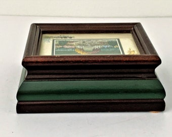 """P. Graham Dunn Wood Sankyo Music Box Plays """"Thank You"""", Glass Window with Floral Scene, Signed, 5 1/4"""" X 4 1/4"""". Made In USA. Free Shipping"""