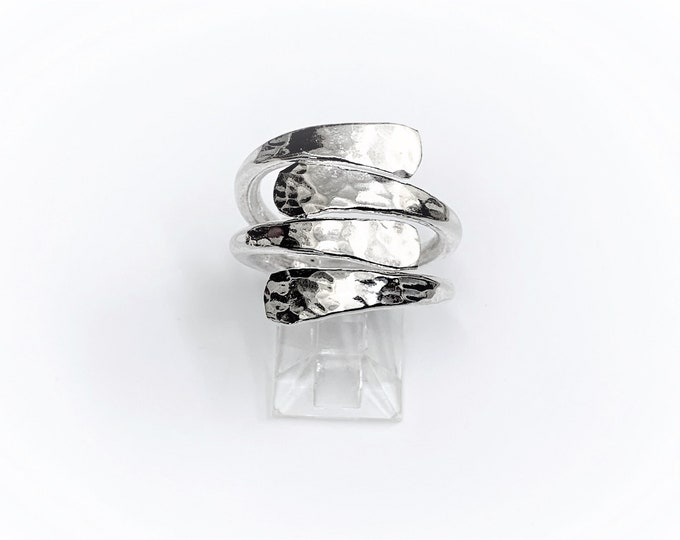 Sterling Silver Wrapping Ring, Hammered High Polished Top, Rounded Thick Shank, 7.20 Grams, Size 7 1/2 US