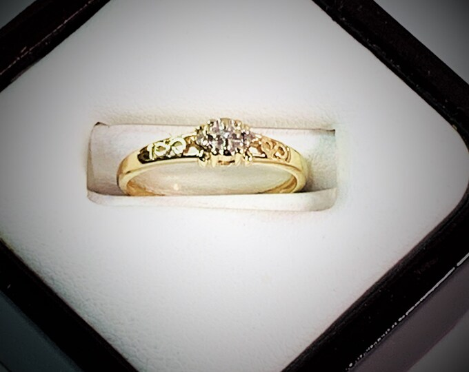 Vintage 10K Yellow Gold Diamond Band - Ring, Gallery & Scrolls Top. 3 Small Round Cut Diamonds T.W .07 Carat. Size 7.5 US. Free US Shipping.