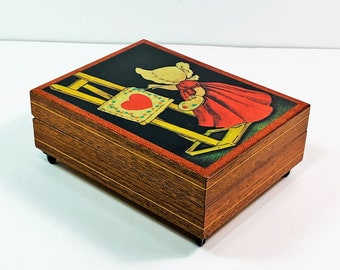 """Sankyo Music Box """"The Shadow of Your Smile"""", Hand Crafted in Italy, Little Painter Art on Lacquered Wood, 5.75"""" L. 4.5"""" W. Free US Shipping"""