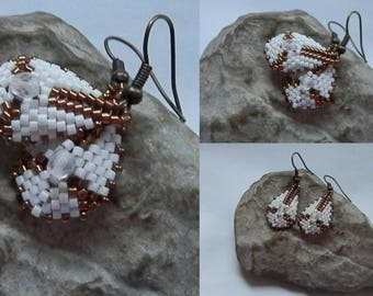 Woven earrings white and bronze