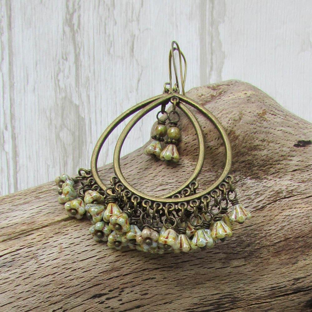 Lagenlook Jewellery: Bohemian Hoops Earrings Little Flower Wire Hanging Picasso