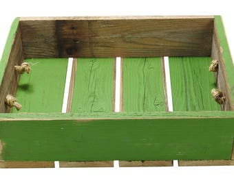 "R & W 12"" x 4"" x 15.5"" Vintage Reproduction Wooden Box, Green"