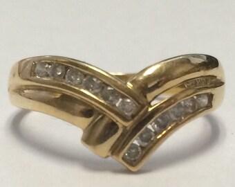 Beautiful 10k Yellow Gold DIAMOND Ring Size 8!