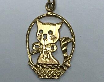 VINTAGE 14K Yellow Gold Kitten in a Basket CAT Charm!