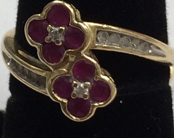 GORGEOUS 14K GOLD Ruby and Diamond Flower Ring Size 7!