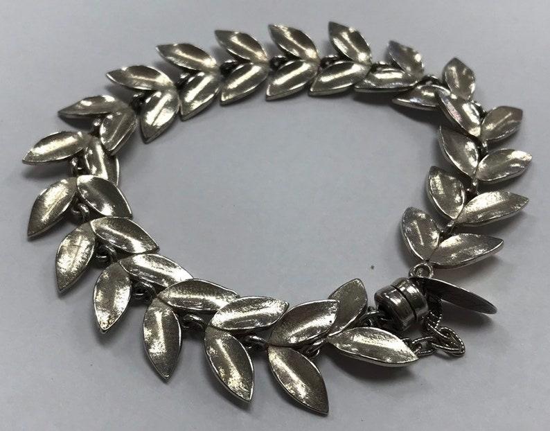 UNIQUE Signed Sterling Silver 925 Magnetic Close Leaf Chain Bracelet