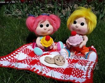 Crochet Pattern - Sam and Kate Picnic Time (Amigurumi Doll Pattern)