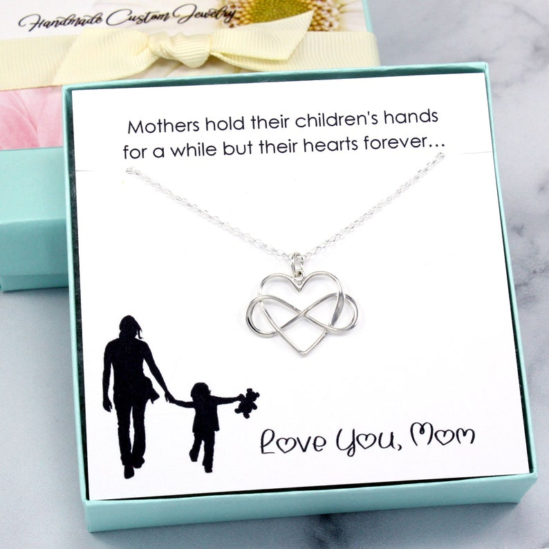 MagicW Gifts for Mom Women Love You Mom Heart Pendant Necklace Mom Gifts Charm Fashion Chain Necklace Gifts for Mom from Son Daugter