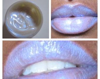 Blue tint lipgloss