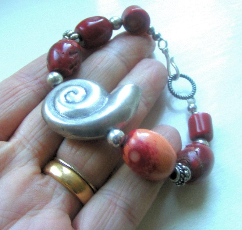 Superb Vintage Ornate Bali Sterling Silver Shell Red Coral Gemstone Beaded Bracelet 8