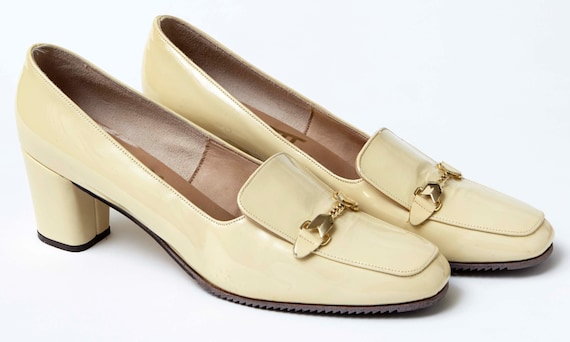 1960s Patent Ivory Mod shoes. NOS. Leather uppers.