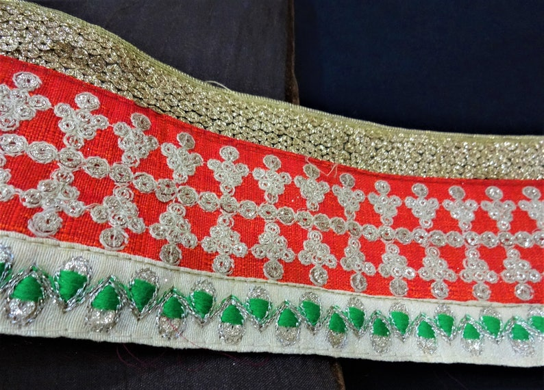 Indian Laces Embroidered Trims Decorative Ribbon Ethnic Trims Sari Borders Fabric Trim Crafting Sewing Trims 1 Yard