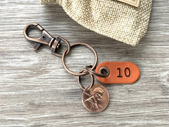 10th anniversary gift, 2011 American penny keyring or clip with a 10 leather tag with a USA one cent, great gift for a man or woman