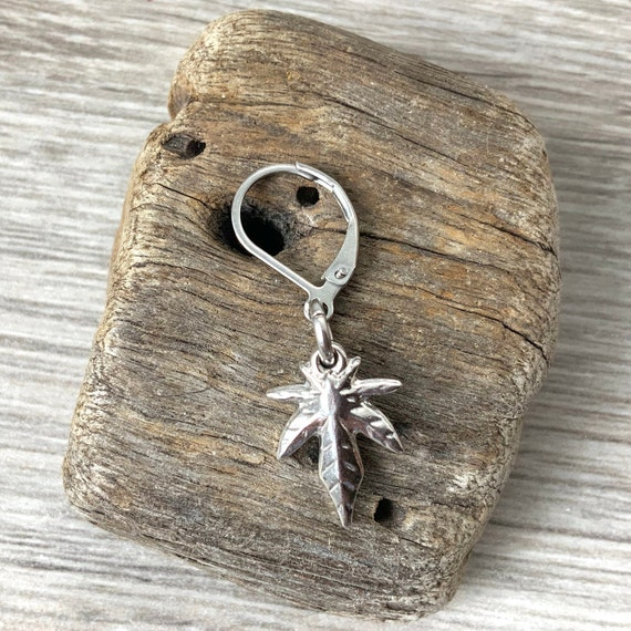 Hemp leaf earring, single earring or a pair of earrings, made from stainless steel for men or women