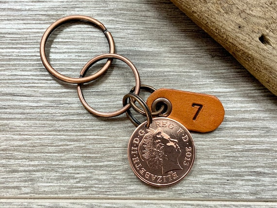 7th anniversary gift, wedding anniversary, seven 7 years together 2013 coin keyring, key chain or clip, for a man or woman