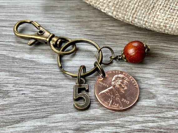 5th anniversary gift, wooden five years married, 2015 USA one cent coin keyring, wood keychain or clip, United States America penny