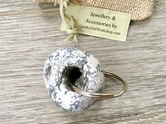 hag stone keyring, Beach pebble key fob, beach rock key chain, natural rock, found pebble, small gift for a man, holey pebble from Cornwall