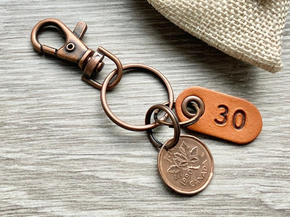 30th birthday gift, 1990 Canadian coin keychain, Canada one cent keyring maple leaf lucky penny clip, anniversary present for a man or woman