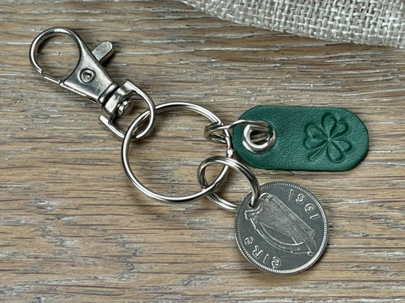 1961 Irish sixpence and green shamrock key chain, Ireland coin key ring or clip, perfect for a 60th birthday gift