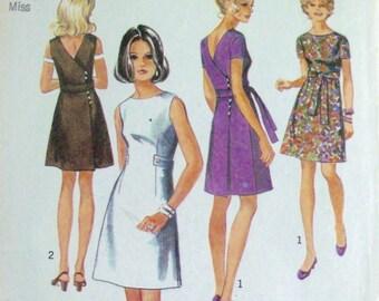 Vintage 1970 Dress Pattern Simplicity 8827 Dress Size 16