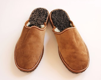 448685f03a5 Men slippers made of sheepskin tan brown leather on top and white fur  inside for extra warmth