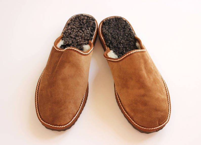 Men slippers made of sheepskin tan brown leather on top and image 0