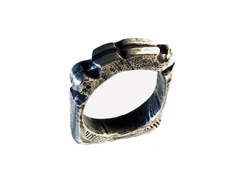 SQuare CRociato - Sculpted & Stamped Sterling  Silver  Ring - Tribal Cross - 2 Gauge - 7mm Thick - 17g