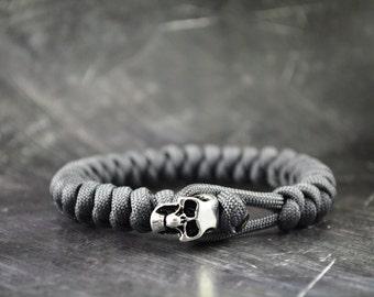 Skull Paracord Bracelet - GREY