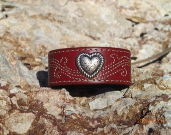 brown leather cuffupcycled leather cuffflower braceletleather bracelet pink flower cuffwomans braceletgirls braceletjewelryC158