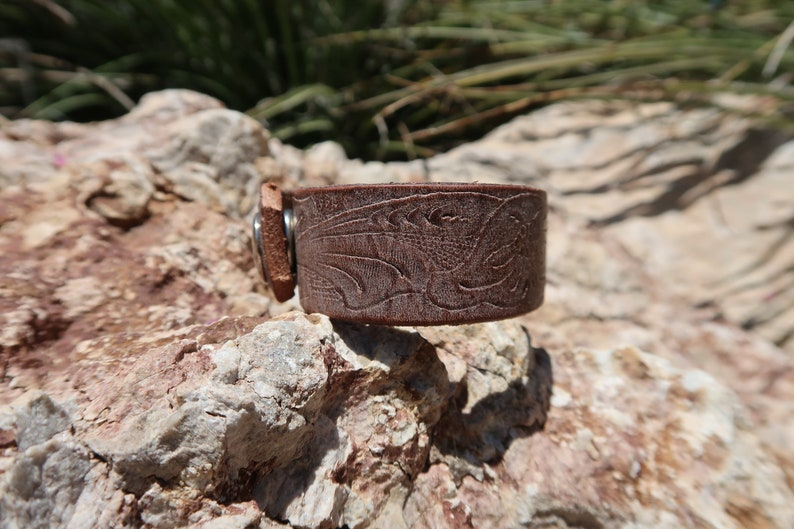upcycled leather cuffleather cuffunisex leather cuffwomansgirl braceletflower cuffleather jewelrywhite washed cuffC307