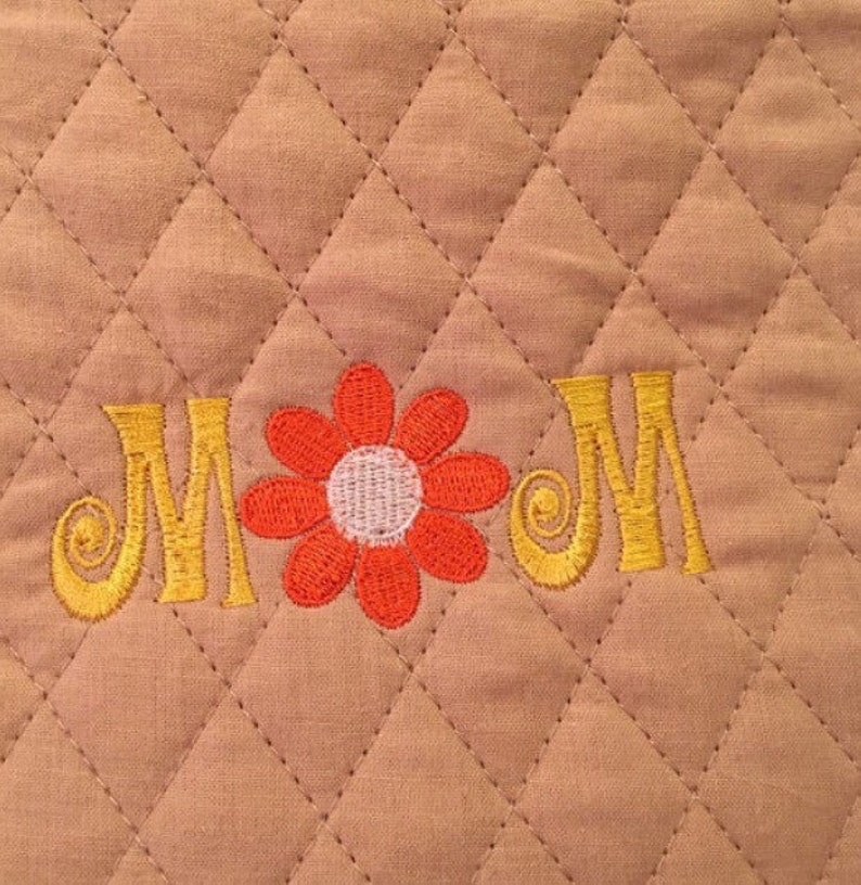Set of Custom Embroidered Quilted Pot Holders /'Mom/'