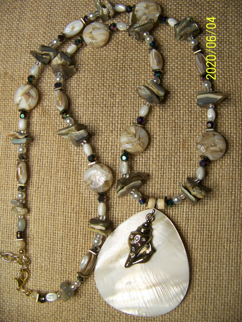 Shell Pendant Necklace Mother of Pearl  Gold Conch Shell image 0