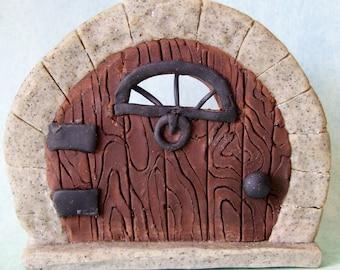 Small wood-grain fairy door