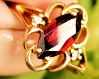 Pretty Victorian Style Marquise Garnet Diamond 10K Ring! January Birthstone! Vintage Estate