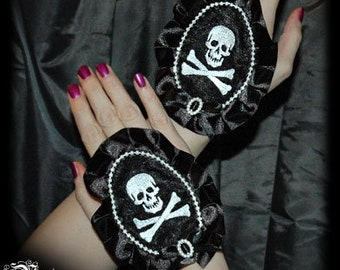 Pirate Cameo gloves