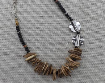 Coconut shell and onyx bead necklace